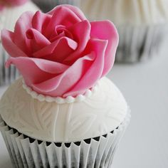 """""""What a lovely thing a rose is"""" - Arthur Conan Doyle Have a splendid evening Arthur Conan Doyle, Cupcake, Cakes, Rose, Instagram Posts, Desserts, Food Cakes, Tailgate Desserts, Pink"""