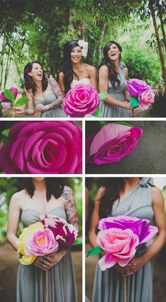 Огромные бумажные цветы для фотосессии на свадьбу