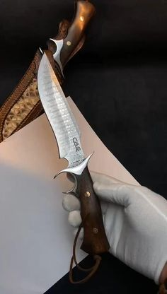 Pretty Knives, Cool Knives, Knives And Swords, Forged Knife, Damascus Knife, Damascus Steel, Handmade Chef Knife, Knife Making Tools, Armas Ninja