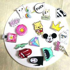 1 PCS Kawaii Icon Free Shipping Acrylic Pin Badge Cartoon Icons Backpack Decoration Badges