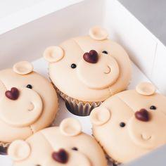 "4,042 lượt thích, 46 bình luận - Felicity & Krystle (@junipercakery) trên Instagram: ""Cute little teddy bear cupcakes for a gender reveal!!! """