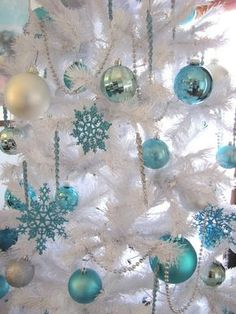 Aqua Christmas Decorations | white christmas tree w/ gorgeous aqua ornaments | Aqua Christmas