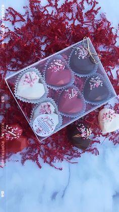 Chocolate Covered Caramel Recipe, Chocolate Covered Treats, Chocolate Bomb, Chocolate Hearts, Chocolate Covered Strawberries, Hot Chocolate Gifts, Homemade Chocolate, Cake For Boyfriend, Cake Pop Decorating