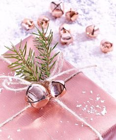 50 of the most beautiful Christmas gift wrapping ideas (with stacks of free Jingle bells. Copper and bell Christmas gift wrapping. You'll literally jingle all the way with this adorable gift wrap idea using oversized jin. Christmas Bells, Christmas Colors, All Things Christmas, Winter Christmas, Christmas Ideas, Rose Gold Christmas Decorations, Crochet Christmas, Homemade Christmas, Christmas Angels