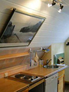 Küche mit Geschirrspüler, Microwelle, Kaffeemaschine, Wasserkocher, Herd, Internet per LAN