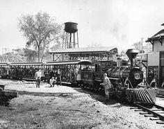 Vintage 8 x 10 Photo Cedar Point Amusement Park - Train Ride & Main Station