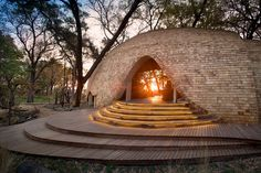 Sandibe Okavango Safari Lodge Resort, Delta del Otavango, Botswana - Nick Piewman Architects + Michaelis Boyd Associates - foto: Dook