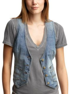 Jean vests Denim Fashion, Fashion Outfits, Womens Fashion, Fashion Ideas, Jean Jacket Vest, Refashion, Everyday Fashion, Casual, T Shirts For Women