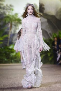 Elie Saab Haute Couture Spring/Summer 2016 Collection @Maysociety