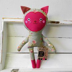 Rézí - kočičí panenka