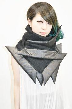 "【chloma】ハイブリッドウールネックウォーマー""KAKERA""/BLACK [11AG01] | chloma | | FAKE TOKYO.com"