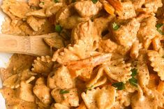 Cajun Chicken Pasta Recipe | Modernmealmakeover.com Cajun Chicken Pasta, Chicken Pasta Recipes, Easy Pasta Recipes, Cooking Recipes, Pasta Dishes, Food Dishes, Small Pasta, Food Garnishes, Roasted Red Pepper Pasta