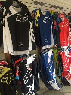 Paradise🤭❤️ Dirt Bike Clothing, Dirt Bike Gear, Motocross Gear, Motorcycle Dirt Bike, Fox Helmets, Moto Car, Riding Gear, Dirtbikes, Bikers