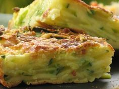 Invisible cake with zucchini and parmesan - Patio'nnement kitchen Cooking Fails, Easy Cooking, Cooking Recipes, No Salt Recipes, Veggie Recipes, Vegetarian Recipes, Chorizo, Good Food, Yummy Food