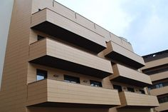 Sistema de fachada ventilada de terracotta. Favemanc: soluciones de cerámica y gres extruido.