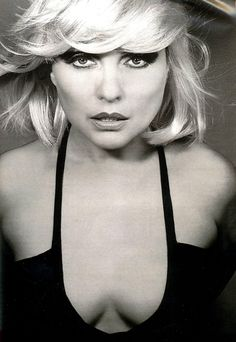 """Deborah Ann """"Debbie"""" Harry (born July is an American singer-songwriter and actress best known for being the lead singer of the punk rock and New Wave band Blondie. Blondie Debbie Harry, Rock Chick, New Wave, Filles Punk Rock, The Bangles, We Will Rock You, Jennifer Love Hewitt, The Victim, Female Singers"""