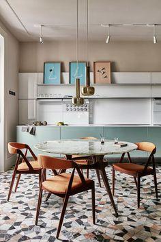 Michelle - Blog #Pavimenti #Vintage - Vintage #Floors In Italia la maggior parte delle case sono state costruite negli anni '50 del secolo scorso. É nel dopoguerra, infatti, che c'è stato il vero e proprio boom immobiliare! Così molti di noi si ritrovano a convivere con pavimenti importanti, come la graniglia, e a sognare un appartamento dalle forme moderne.
