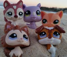 (Loc) Posted on May 27 2016 at Bondi Beach by demi_lps_ Little Pet Shop, Little Pets, Lps Drawings, Sydney Beaches, Lps Toys, Lps Littlest Pet Shop, Bondi Beach, Plastic Animals, My Childhood