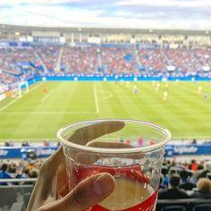 Premier #Match de #Football / #Soccer de la @mls ici à #Montreal ! @impactmontreal les #ImpactDeMontreal contre @newyorkredbulls #NewYorkRedBulls ! #MLS #Sport #Foot #InstaFoot #InstaSoccer #InstaSport #MTL #MTLmoments #EnLoge #Beer #Budweiser #Drinks #Stade #Stadium #MontrealLigueSoccer @so_montreal @narcity_montreal @mtlshot @livemontreal @tourcanada @francaisaucanada @topmontrealphoto @montreall @streetsof514 @canada_pic @mtlstop @tourismequebec @ThankYouCanada @dailyhivemontreal…