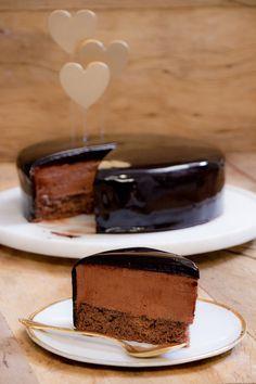 Bolo Mousse de Chocolate                             http://www.icouldkillfordessert.com.br/receitas/bolo/bolo-mousse-de-chocolate/
