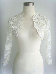 VANESSA bolero is truly for romantic bride. The base is in tulle with alencon lace applique with beadings.Available in white or ivory. Bridal Bolero, Lace Bolero, Wedding Bolero, Myanmar Traditional Dress, Traditional Dresses, Pretty Dresses, Beautiful Dresses, Mom Dress, Occasion Dresses