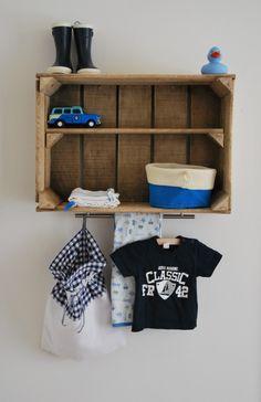 stoere jongens kamer | Leuk en handig voor boven de commode Door wenkem