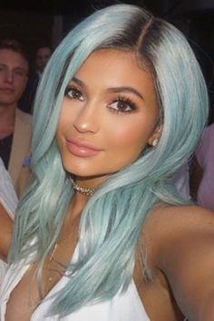 Kylie Jenner: Hair & Beauty Look Book Icy Blue Hair, Pastel Blue Hair, Purple Hair, Mint Hair, Green Hair, Kardashian, Kendall And Kylie, Ombré Hair, Her Hair