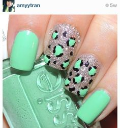Cute nail design- love it! Mint green and Silver cheetah nails Cheetah Nails, Teal Nails, Fancy Nails, Love Nails, Trendy Nails, Diy Nails, Glitter Nails, Green Nails, Teal Nail Designs