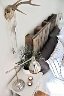 GAH! Headboard made of an old pallet. So cheap and easy. I just may steal this.