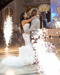 Fireworks  #munacoterie | #Repost @mannyphotos_  Because @mccourtytwins (Devin) & Michelle first dance at @thevenetiannj was one to remember. @elliottevents #85L