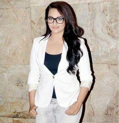 Sonakshi Sinha Rubbishes Reports of Salman Khan Being Upset
