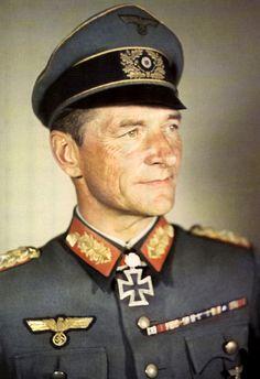 General der Infanterie Erich Abraham (27 mars 1895 à Marienburg, Ostpreußen - 7 mars 1971 à Wiesbaden, Hessen) - Détail complet de sa carrière ci-dessous