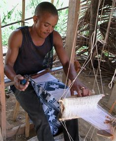 Pano - a unique Capeverdean handicraft (strip weaving)