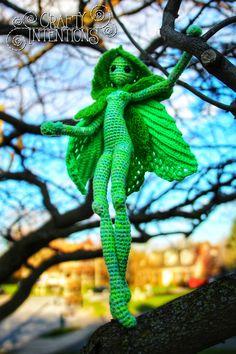 Crochet Fairy, Crochet Dragon, Cute Crochet, Crochet Crafts, Yarn Crafts, Knit Crochet, Crochet Patterns Amigurumi, Amigurumi Doll, Crochet Dolls