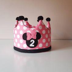 """4 Me gusta, 1 comentarios - ✨ My little Star ✨ (@my_little_star_by_olivia) en Instagram: """"Corona de cumpleaños de Minnie para la princesa de la casa y es que a falta de un mes ya estamos…"""" Little Star, Lunch Box, Stars, Instagram, Home, Birthday Wreaths, Princesses, Sterne, Bento Box"""