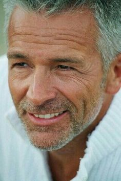 Since the firm is doing so well Norman asked his boss for a raise. Silver Foxes Men, Scruffy Men, Handsome Man, Men With Grey Hair, Gray Hair, My Hairstyle, Ageless Beauty, Raining Men, Mature Men