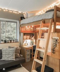 I love the desk in this! Sooo cute I love the desk in thi Dorm Room Ideas collegedormroomideas cute Desk love Sooo thi Dorm Room Designs, Room Design Bedroom, Small Room Bedroom, Bedroom Ideas, Dorm Room Layouts, Dorm Layout, Dorm Room Themes, Small Apartment Bedrooms, Teen Bedroom