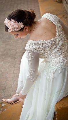 Wedding dress for sale V back Lace Long Sleeves Elegant Comfort