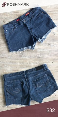 """EXPRESS Cut Off Shorts Dimensions: Waist 34"""", Hips 38"""", total length 11"""", length from inseam to bottom of short 3"""" Express Shorts"""