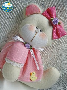 pin for dolls Sewing Crafts, Sewing Projects, Projects To Try, Felt Fabric, Fabric Dolls, Felt Diy, Felt Crafts, Felt Patterns, Felt Dolls