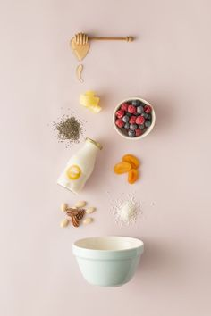 Beautiful and simplistic styling of ingredients Flat Lay Photography, Food Photography Styling, Creative Photography, Food Styling, Milk Photography, Product Photography, Photography Hacks, Photography Classes, Photography Editing