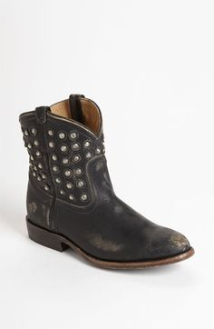 LOVE!!!!!!!!........Frye 'Wyatt Disc' Short Boot