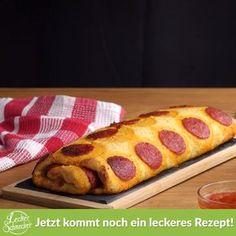 Dieses Rezept ist die perfekte Kombination aus deftig und zart, aus feurig und elegant sowie aus simpel und raffiniert. Genau das Richtige für einen deutsch-italienischen Abend. #kartoffelpizza #kartoffel #pizza #rezept #rezepte