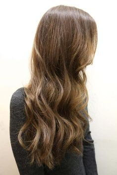 Natural Brunette - Hairstyles and Beauty Tips