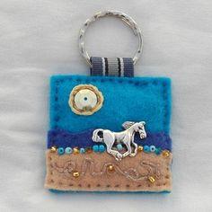 Hand sewn felt horse key ring - £6.00 + postage    www.elliestreasures.co.uk