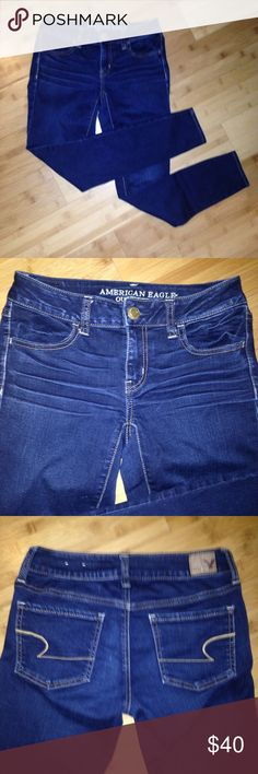 Jegging Super Stretch Denim Mid blue wash. Size 2-SHORT. Great condition worn only a few times. American Eagle Outfitters Jeans Skinny