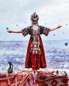 O coração resiste quando os olhos não podem ver  provérbio turco  A saudade se torna mais suportável quanto menos se vê aquilo pelo que se sente.  Foto por @hobopeeba na Capadócia Turquia.