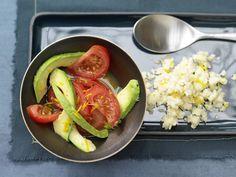 Orangen-Couscous - mit Avocado-Tomaten-Salat