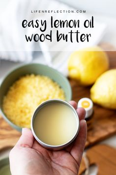 This wood butter recipe has a dreamy, lemon honey scent that will even moisturize your hands - no gloves needed for this kitchen clean up! Natural Cleaning Recipes, Natural Cleaning Products, Clean Recipes, Household Products, Diy Cutting Board, Wood Cutting Boards, Diy Furniture Polish, Prep Kitchen, Butter Recipe