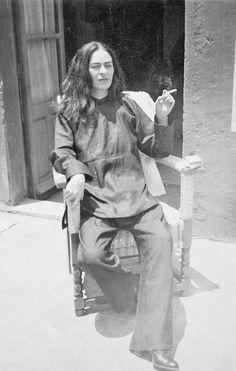 Frida Kahlo smoking (1946)